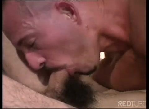 Гей пацаны делают друг друга массаж