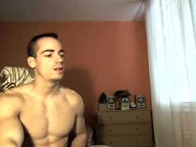Видео дрочит член перед камерой — img 13