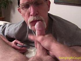 Старые и молодые геи онлайн