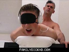 Порно видео гей на приеме у врача