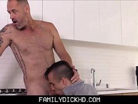 Худенькой великолепное фото пенисов зрелых мужчин девушки попа